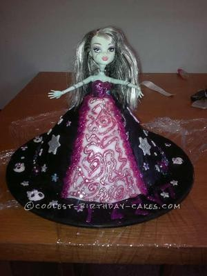 Amazing Coolest Monster High Doll Cake Personalised Birthday Cards Sponlily Jamesorg