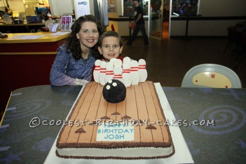 Cool 3D Bowling Birthday Cake