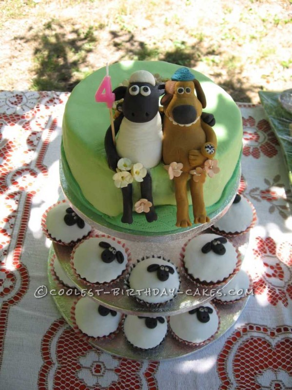 Coolest Shaun The Sheep Cake with Sheep Cupcakes