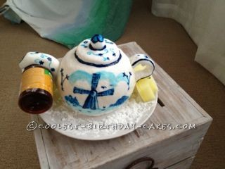 Coolest Hand-Painted Dutch Teapot Cake