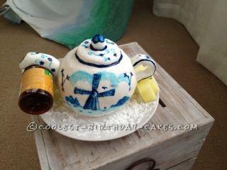 Coolest Hand-Painted Dutch Teapot Cake