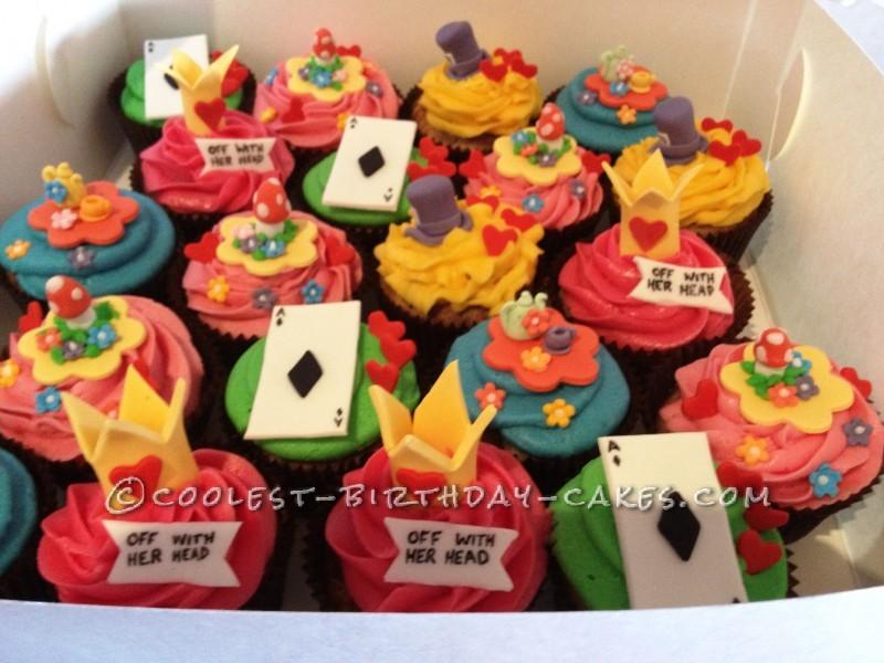 Coolest Alice in Wonderland Cupcakes