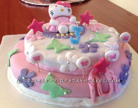 Amazing Hello Kitty Fondant Cake