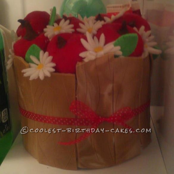 Cool Basket of Daisies and Apples Cake