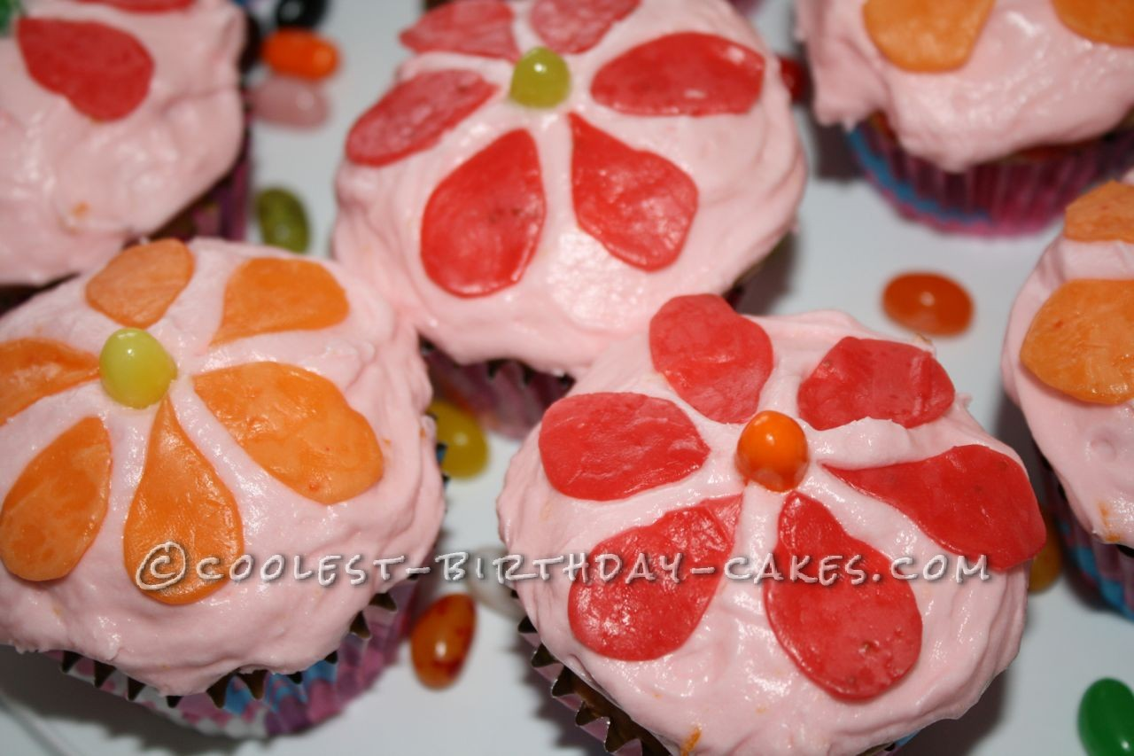 Super Easy Candy Flower Cupcakes