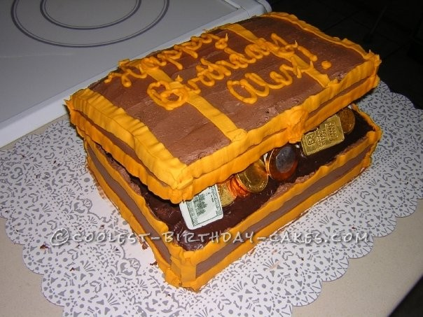 Cool Pirate's Chest Cake