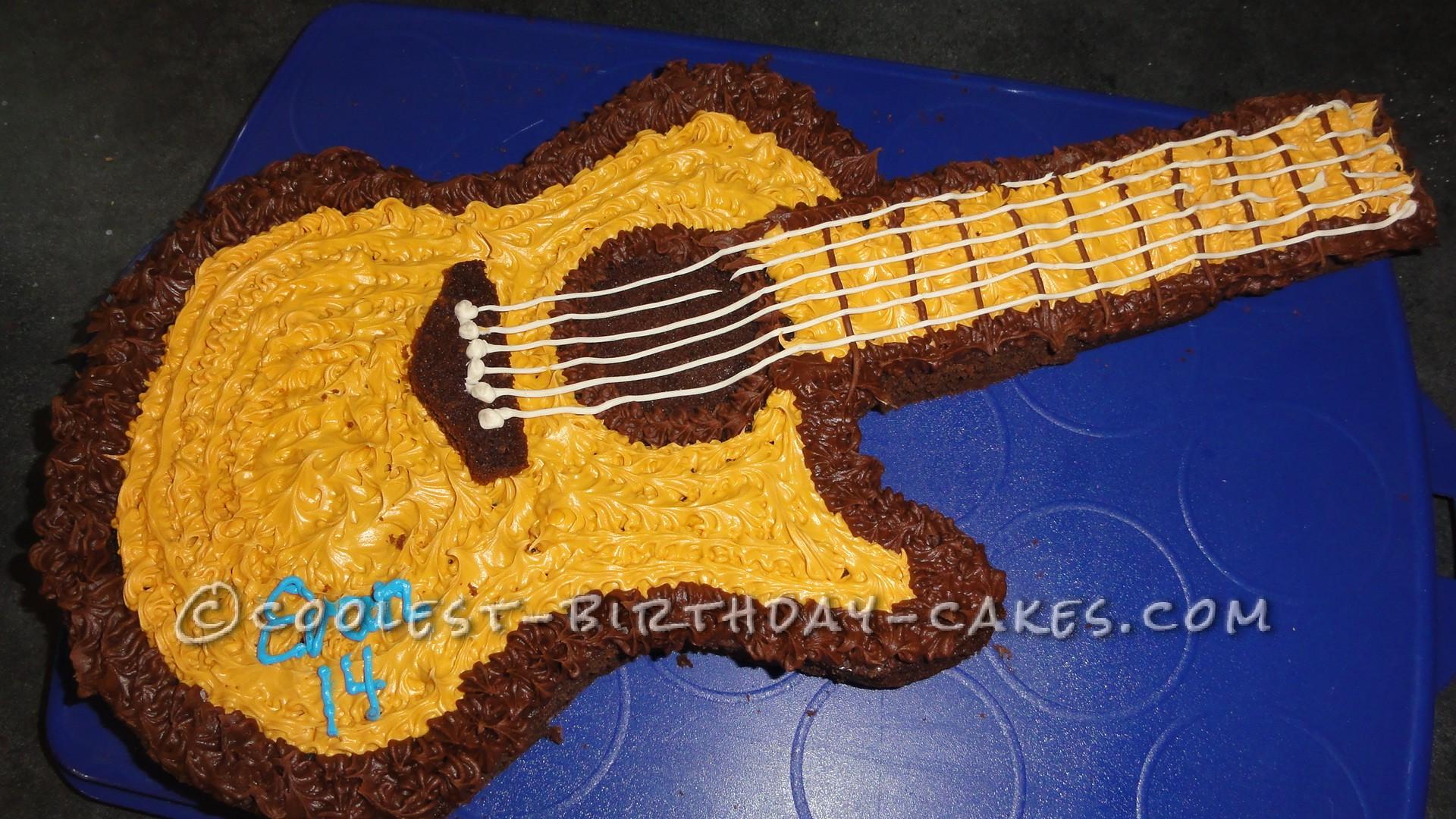 cool acoustic guitar cake