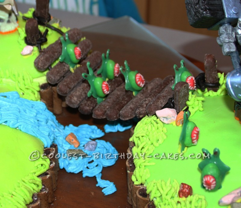 Details on the cake