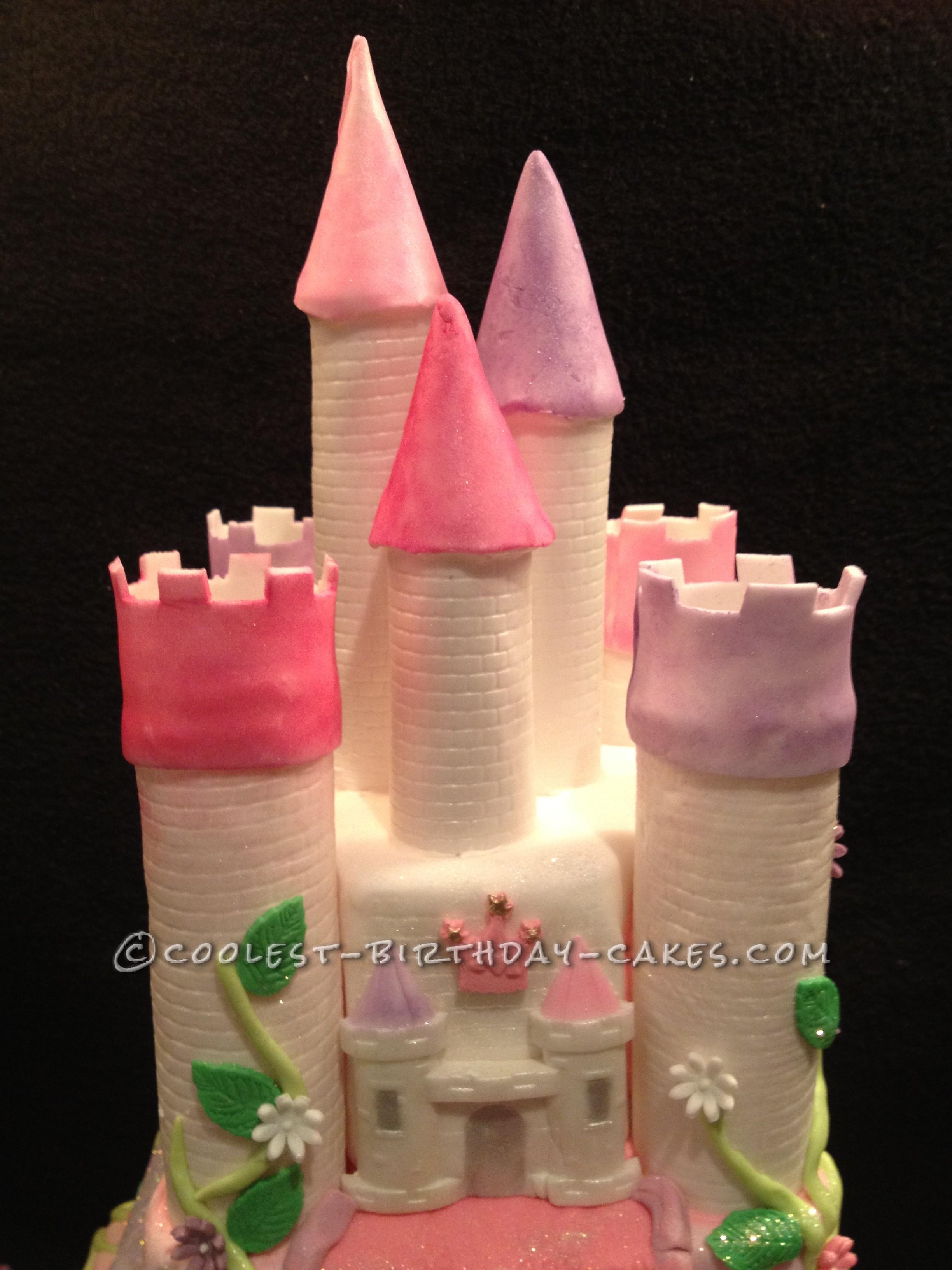 Coolest Snow White and the Seven Dwarfs Castle Cake