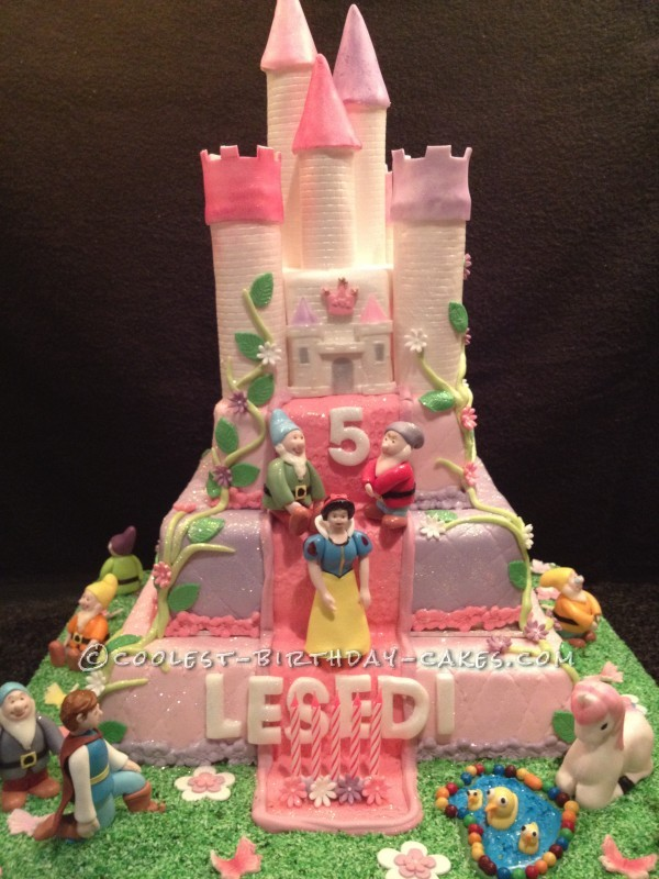 Enjoyable Coolest Snow White And The Seven Dwarfs Castle Cake Funny Birthday Cards Online Alyptdamsfinfo