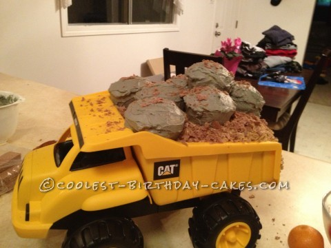 Cool Digger Dirt Cake - You Can Dig Your Own Cake!