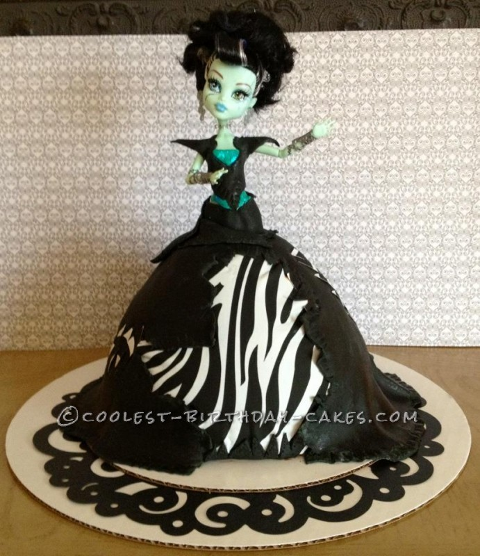 Fabulous Monster High Frankie Stein Birthday Cake