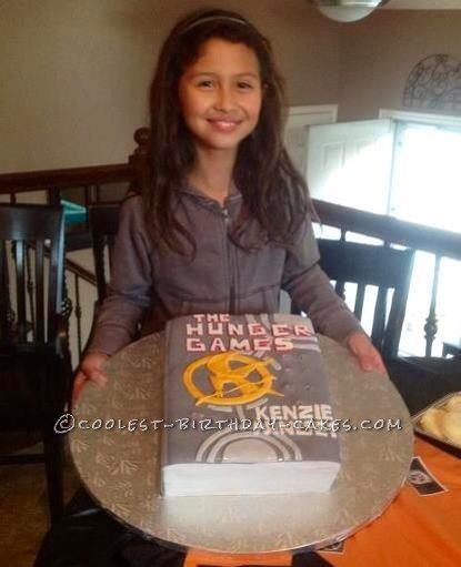 Cool Hunger Games Book Cake