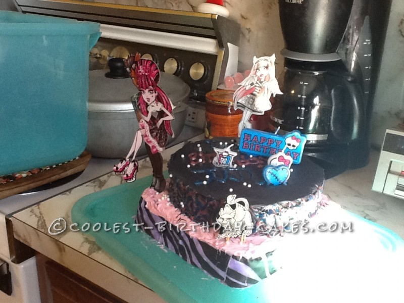 Coolest Monster High Cake