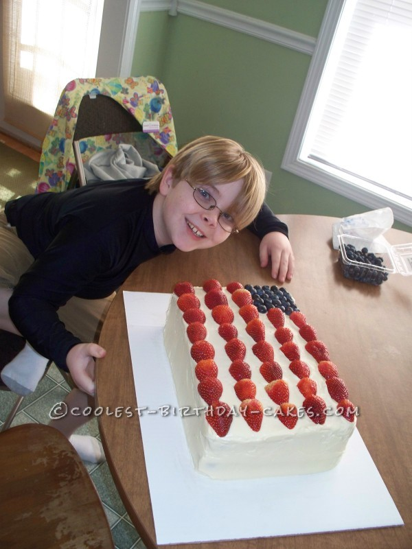 Most Delicious and Easy American Flag Cake