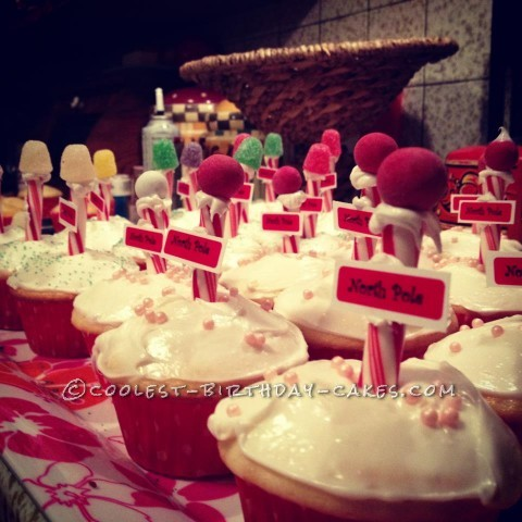Coolest North Pole Christmas Cupcakes