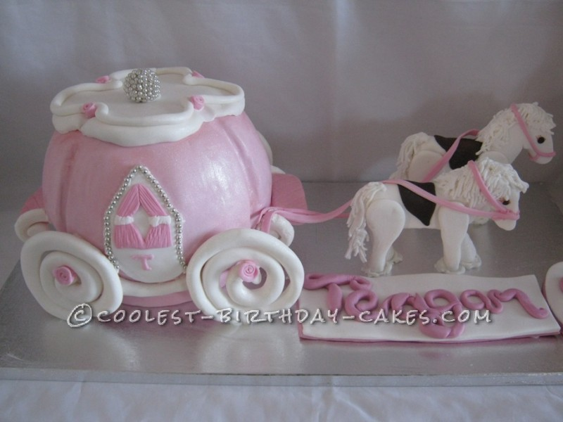 Awesome Princess Carriage and Horses Cake