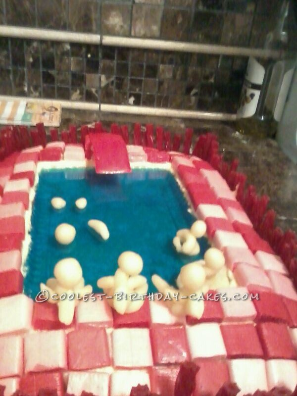 Cool Swimming Pool Cake