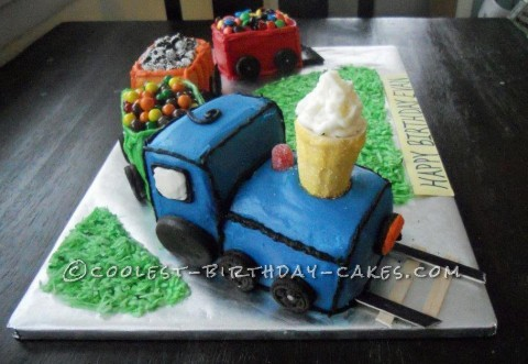 Coolest Homemade Train Cake