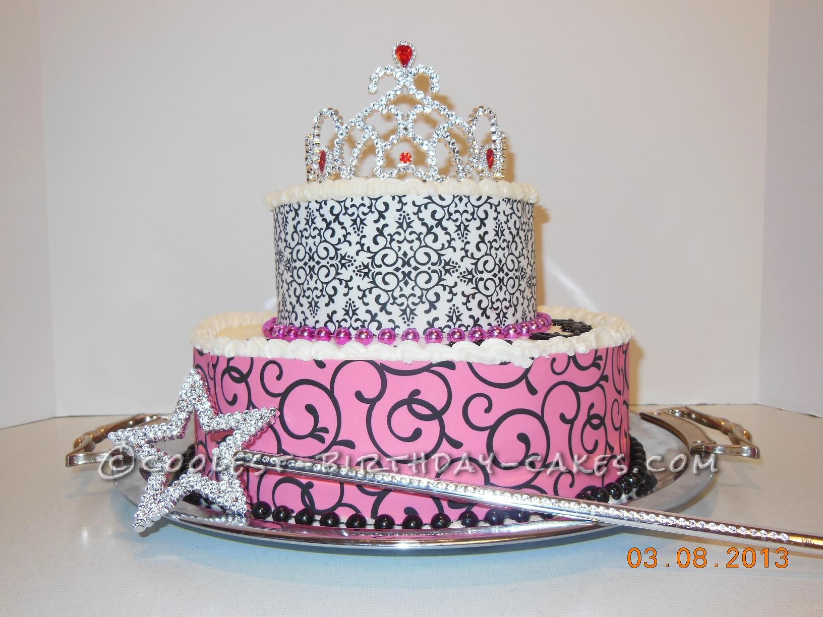 40 Year Old Diva Birthday Cake