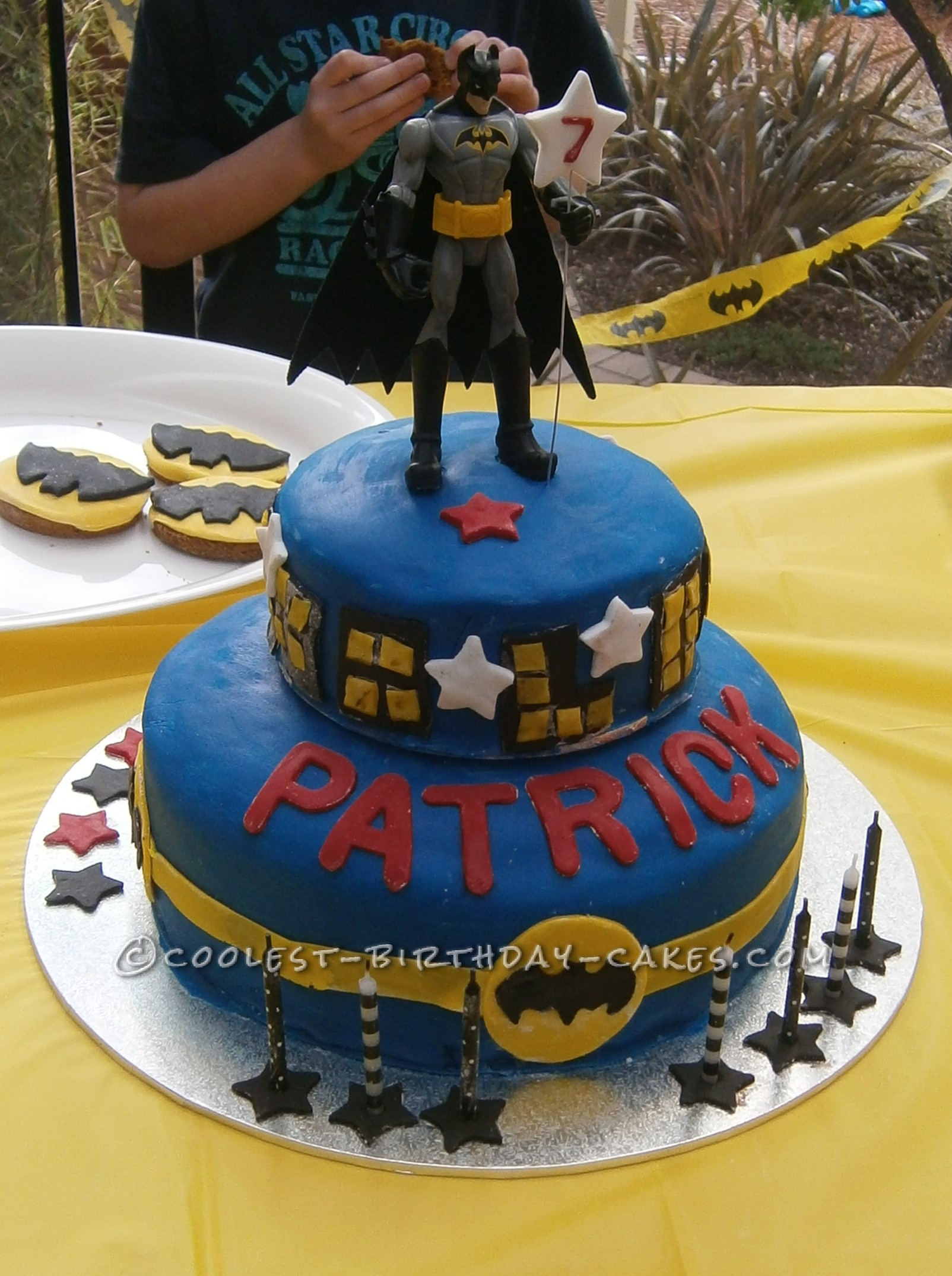 This Batman Cake Was One Of The Easiest Cakes I Have Made So Far My Greatest Tips Are To Buy Mix For And Precoloured Fondant