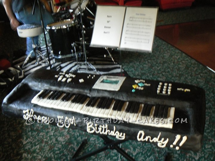 Coolest Full-Size Piano Keyboard Cake