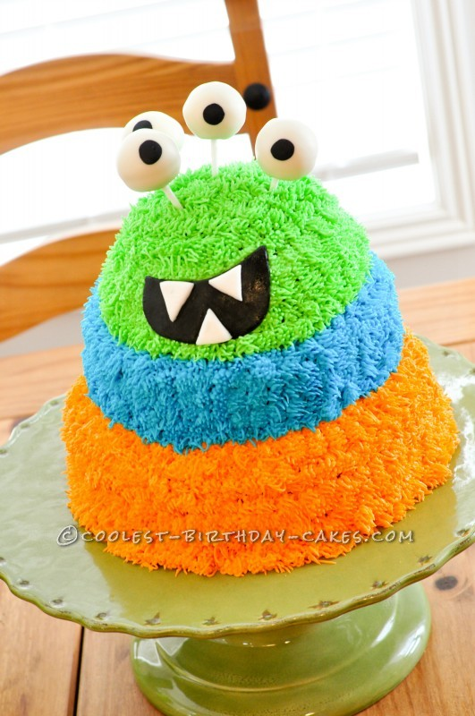 Coolest Googly Eyed Monster Cake!