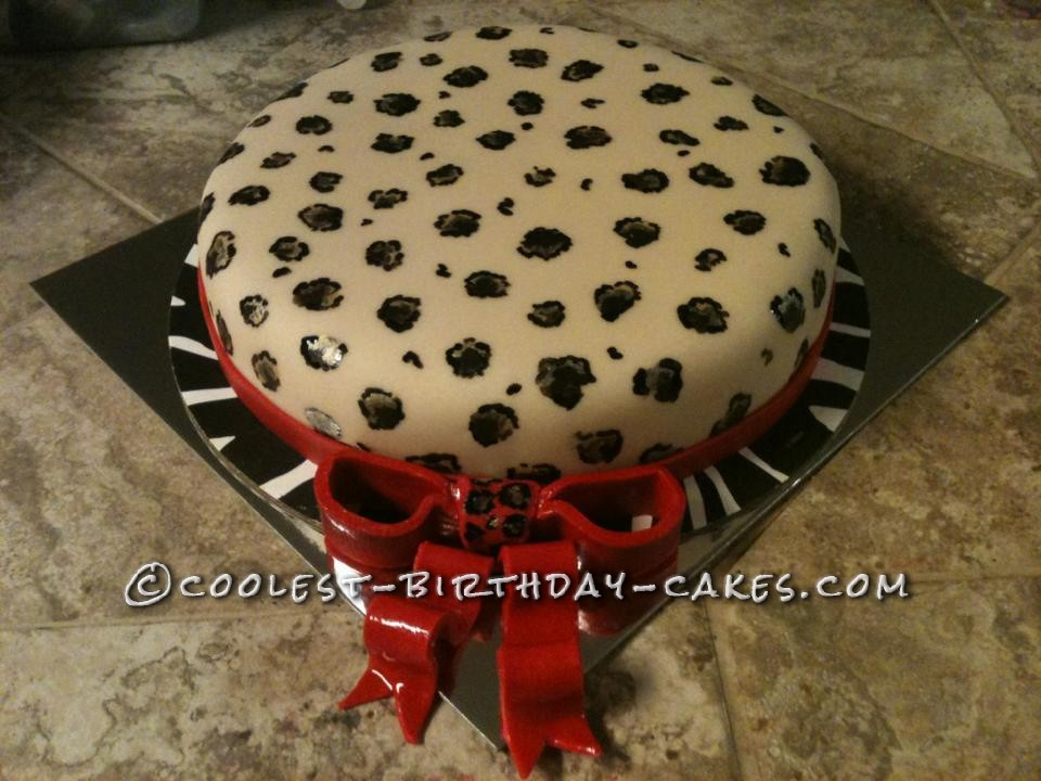 just finished the first tier of the leopard cake