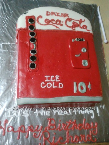 1956 coke machine cake