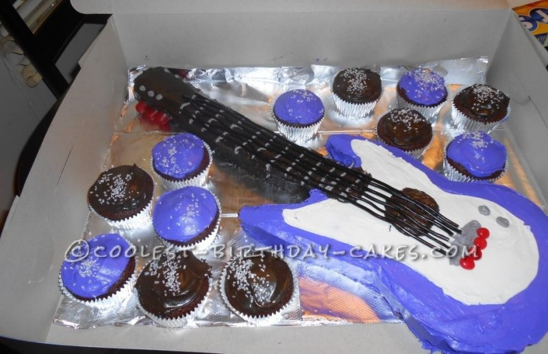 Purple Guitar Cake with Cupcakes