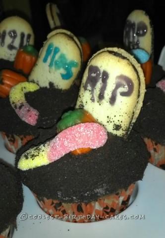 Cool Graveyard Cupcakes