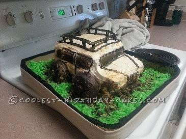 Cool Jeep Groom's Cake