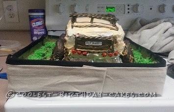 Cool Jeep Groom's Cake