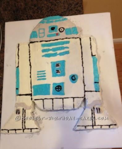 Simple R2D2 Cake