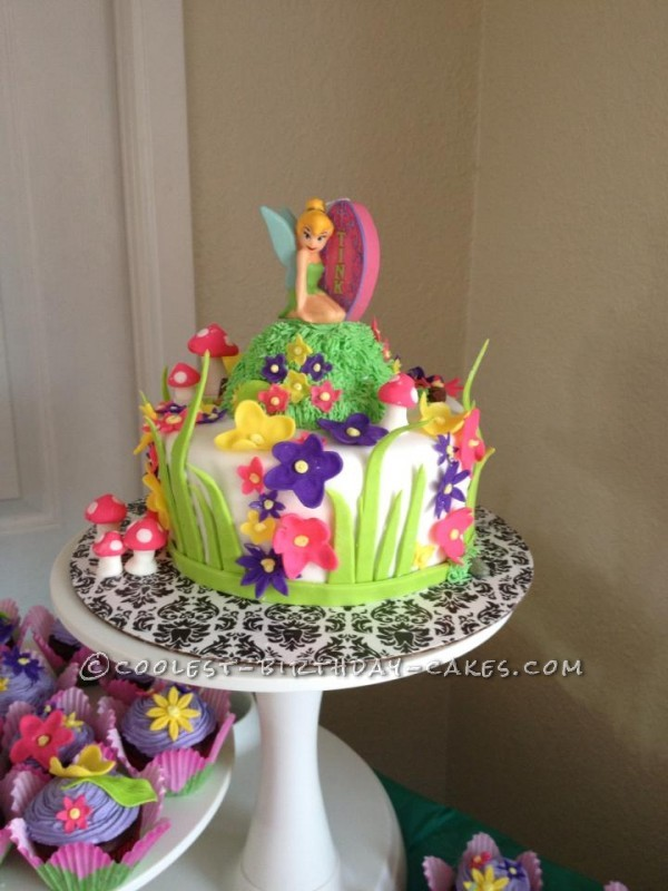 Cooelst Tinkerbell Cake and Cupcakes