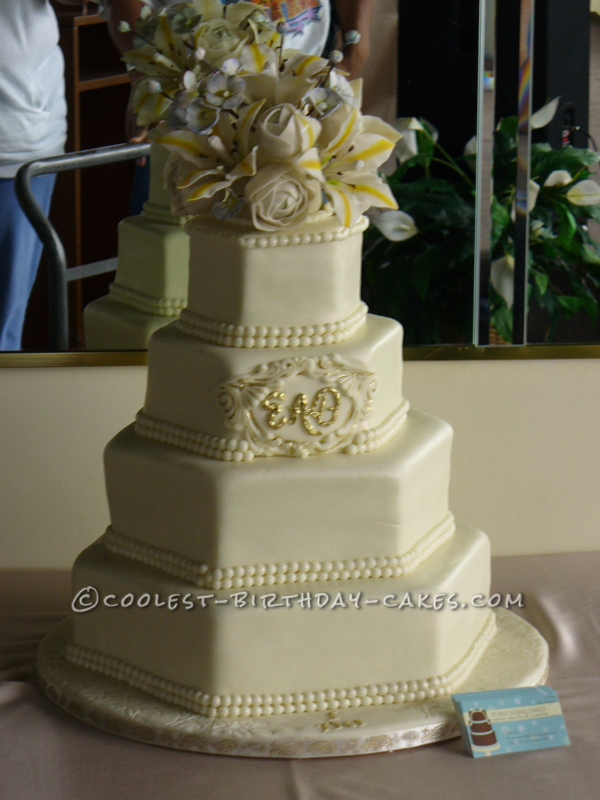 Coolest Traditional Wedding Cake