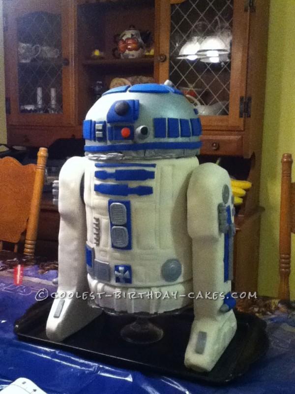 Coolest R2-D2 Birthday Cake