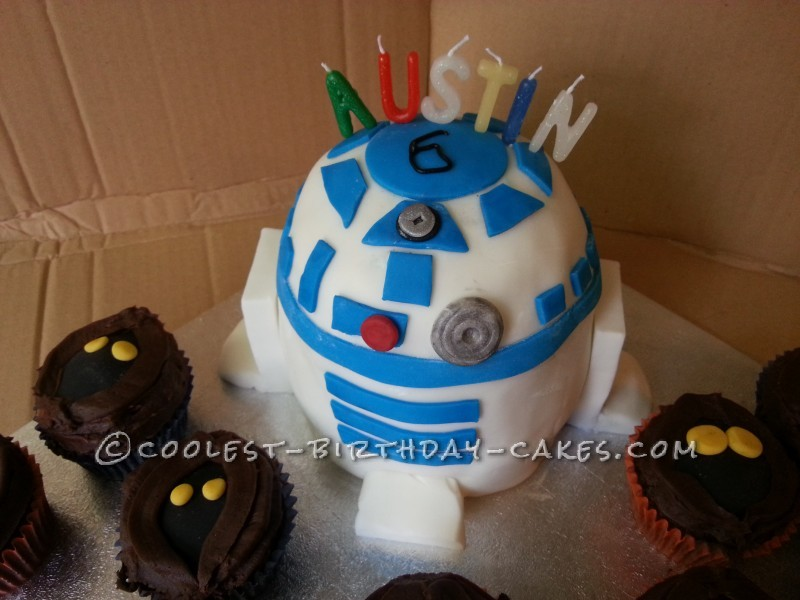 Coolest R2D2 Birthday Cake with Jawas