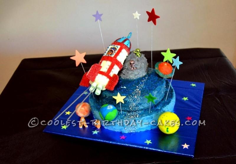 coolest rocket cakes