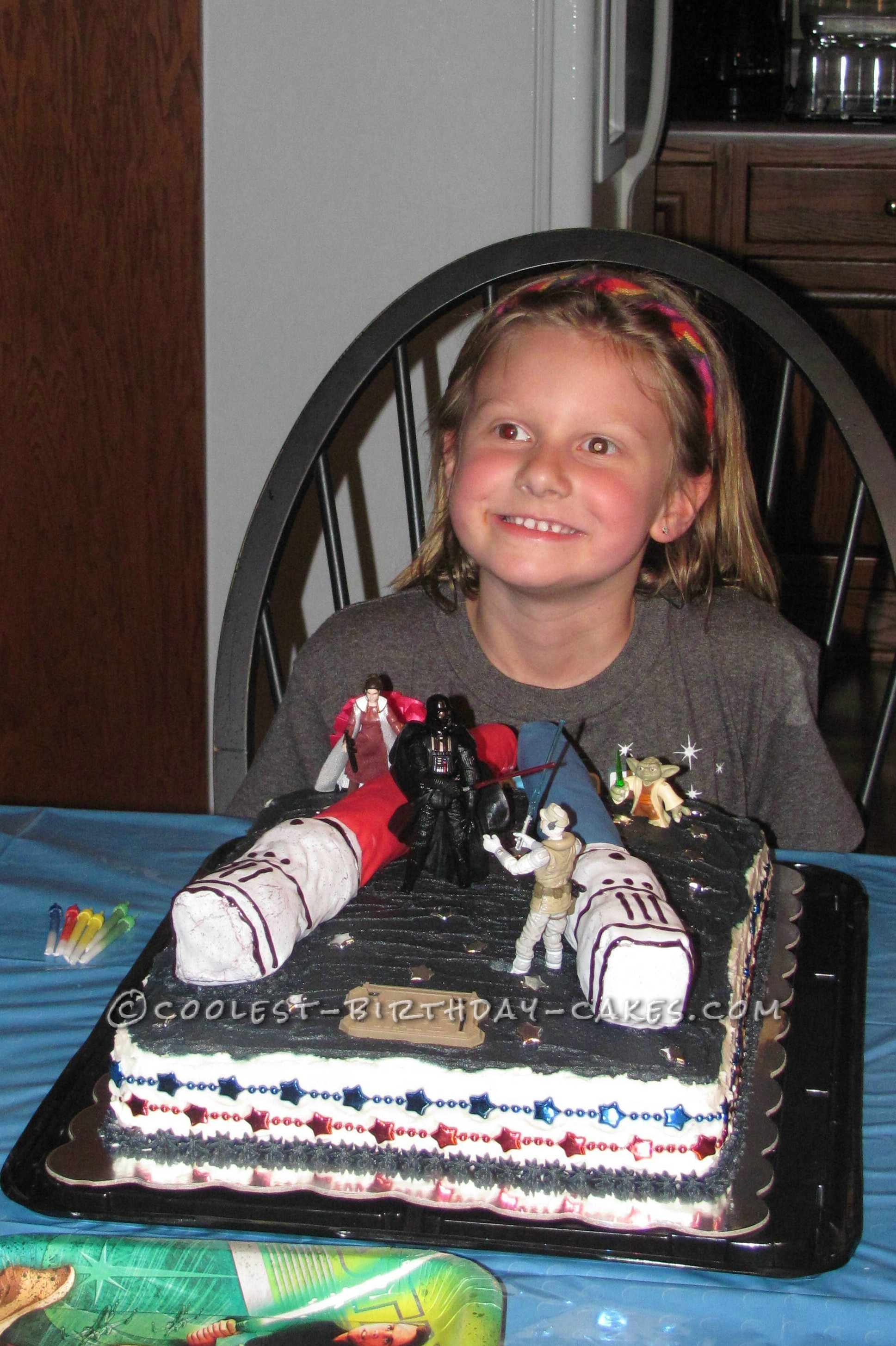 """Coolest """"May the Force Be With You"""" Birthday Cake"""