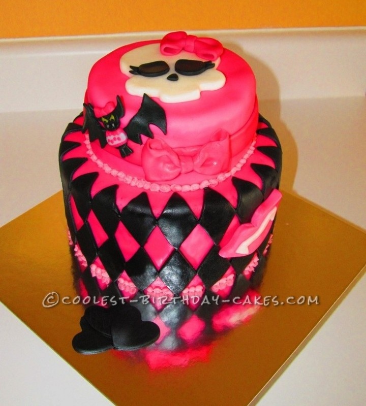 Groovy Coolest Draculaura Monster High Birthday Cake Funny Birthday Cards Online Hendilapandamsfinfo