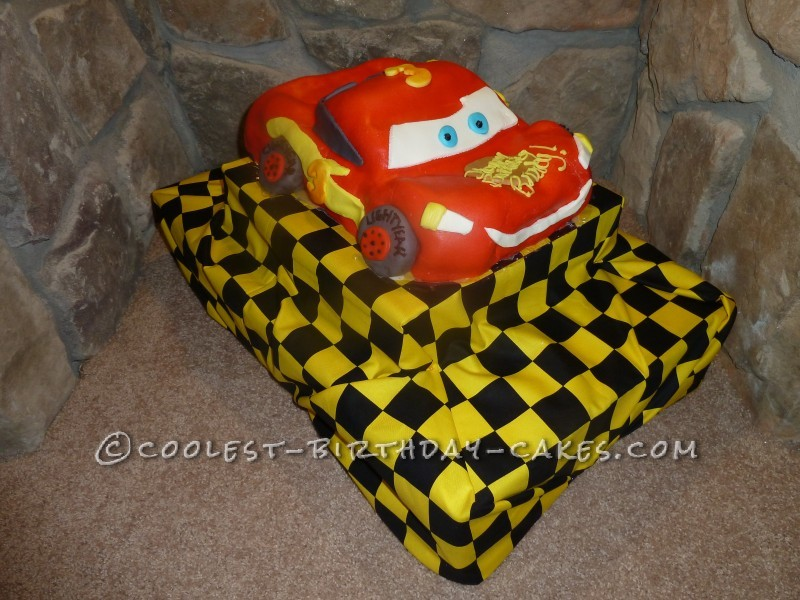 Coolest Lightning McQueen Cake: Drives Faster Than It Was Made!