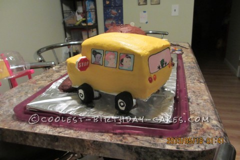 Magic School Bus Blows It's Top Cake