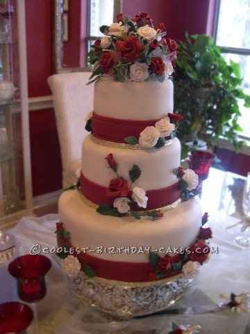 Coolest Red and White Rose Wedding Cake