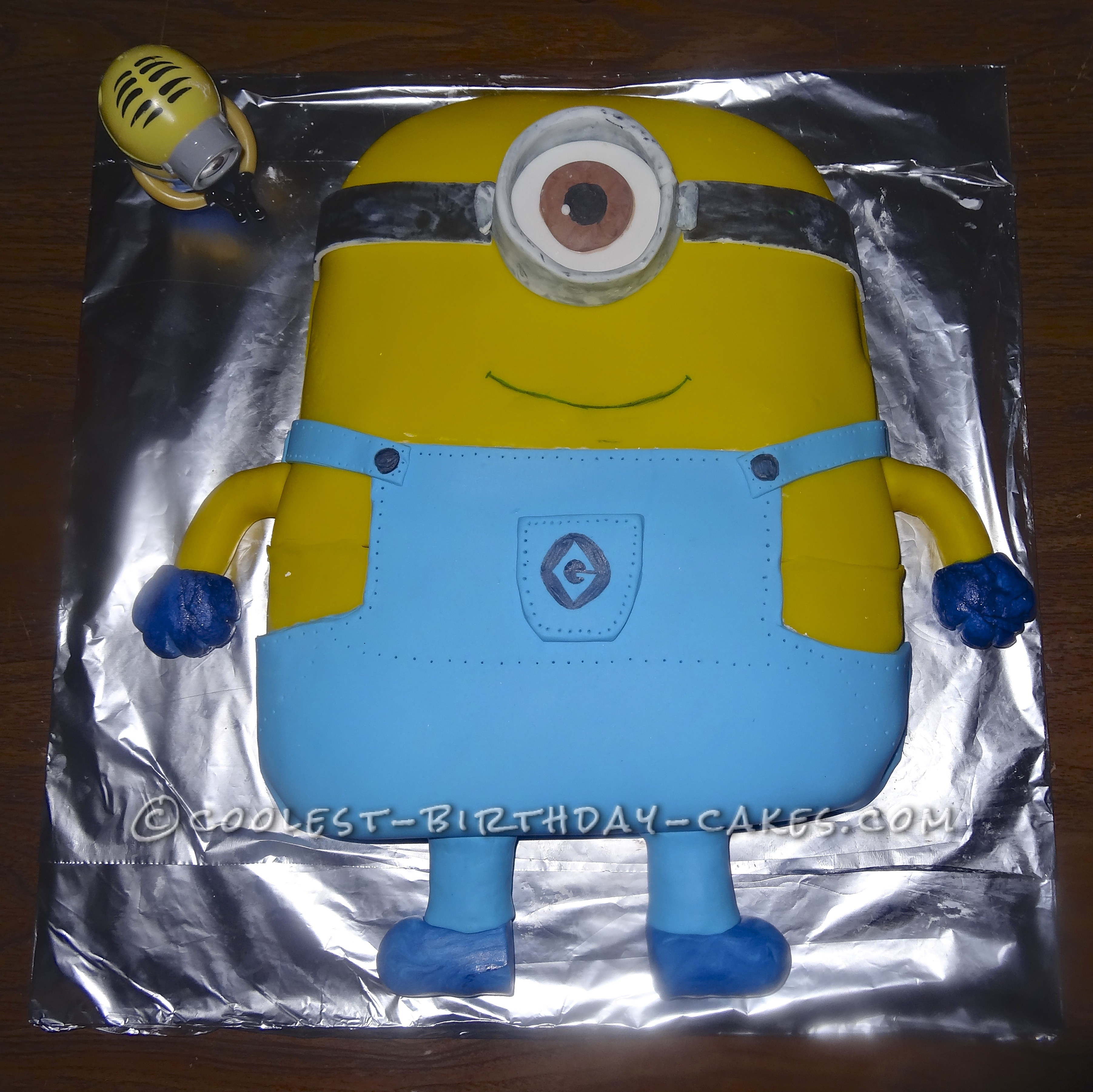 Coolest Minion Birthday Cake From Despicable Me