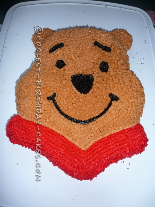 Sweet Winnie The Pooh Birthday Cake