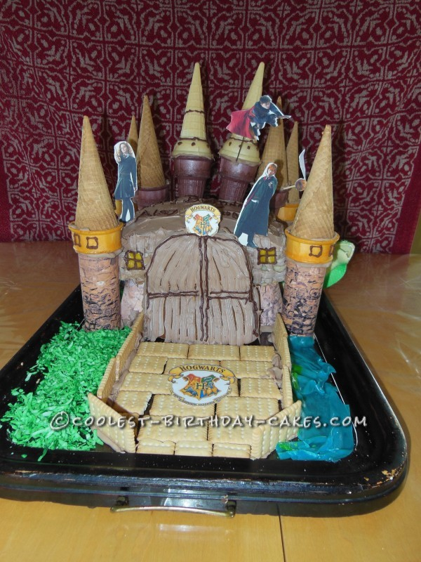 Awesome Hogwarts Ice Cream Cone Cake