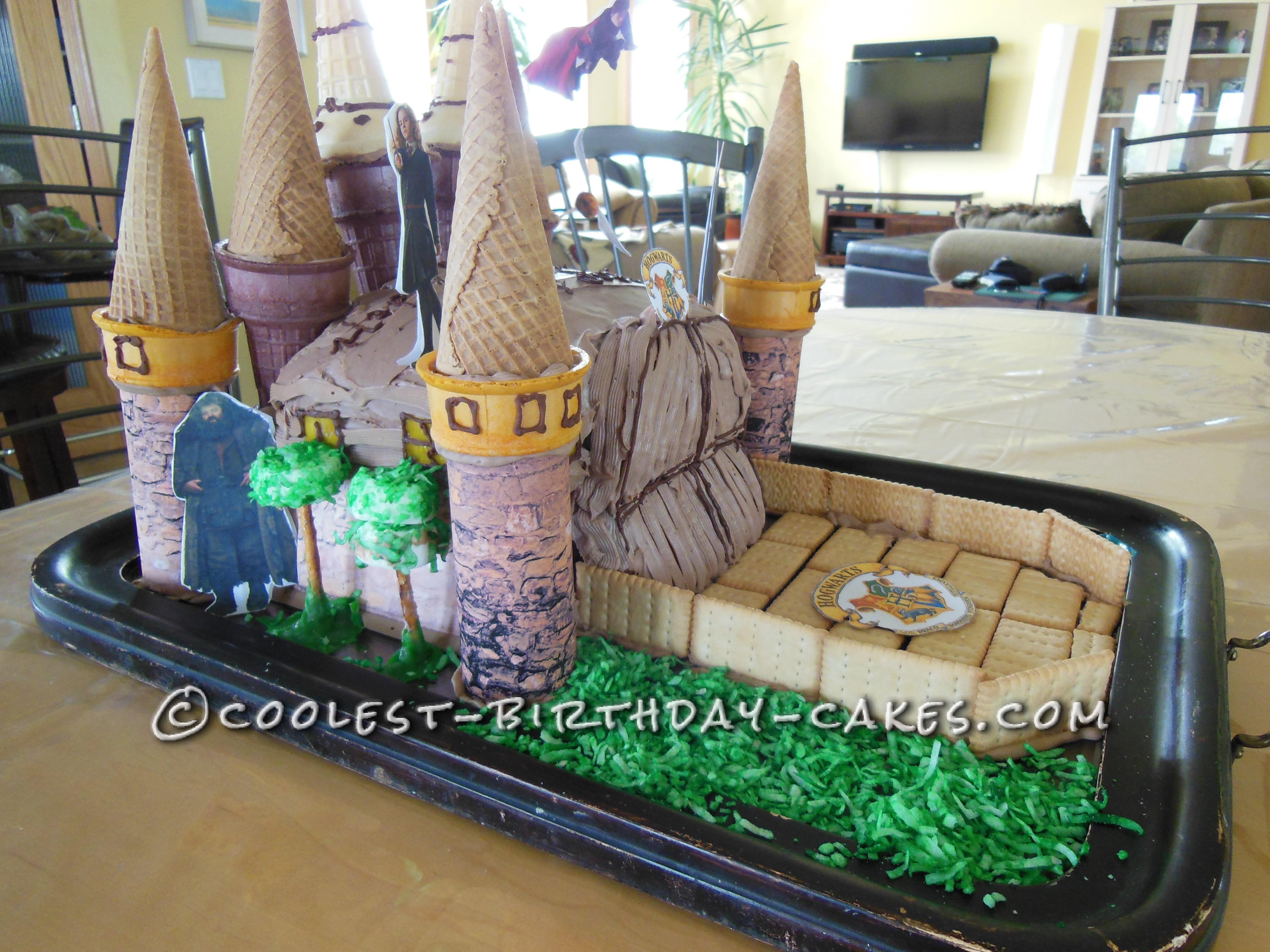 Awesome Hogwarts Ice Cream Cone Cake
