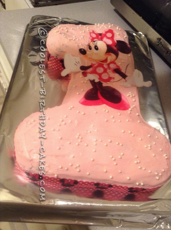 Cute Homemade Minnie Mouse 1st Birthday Cake