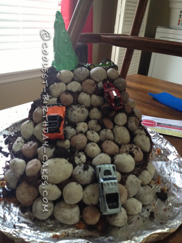 Coolest Rock Crawling Cake